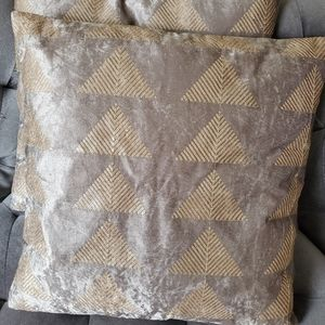 Velvety and sequined pillow covers set of 2